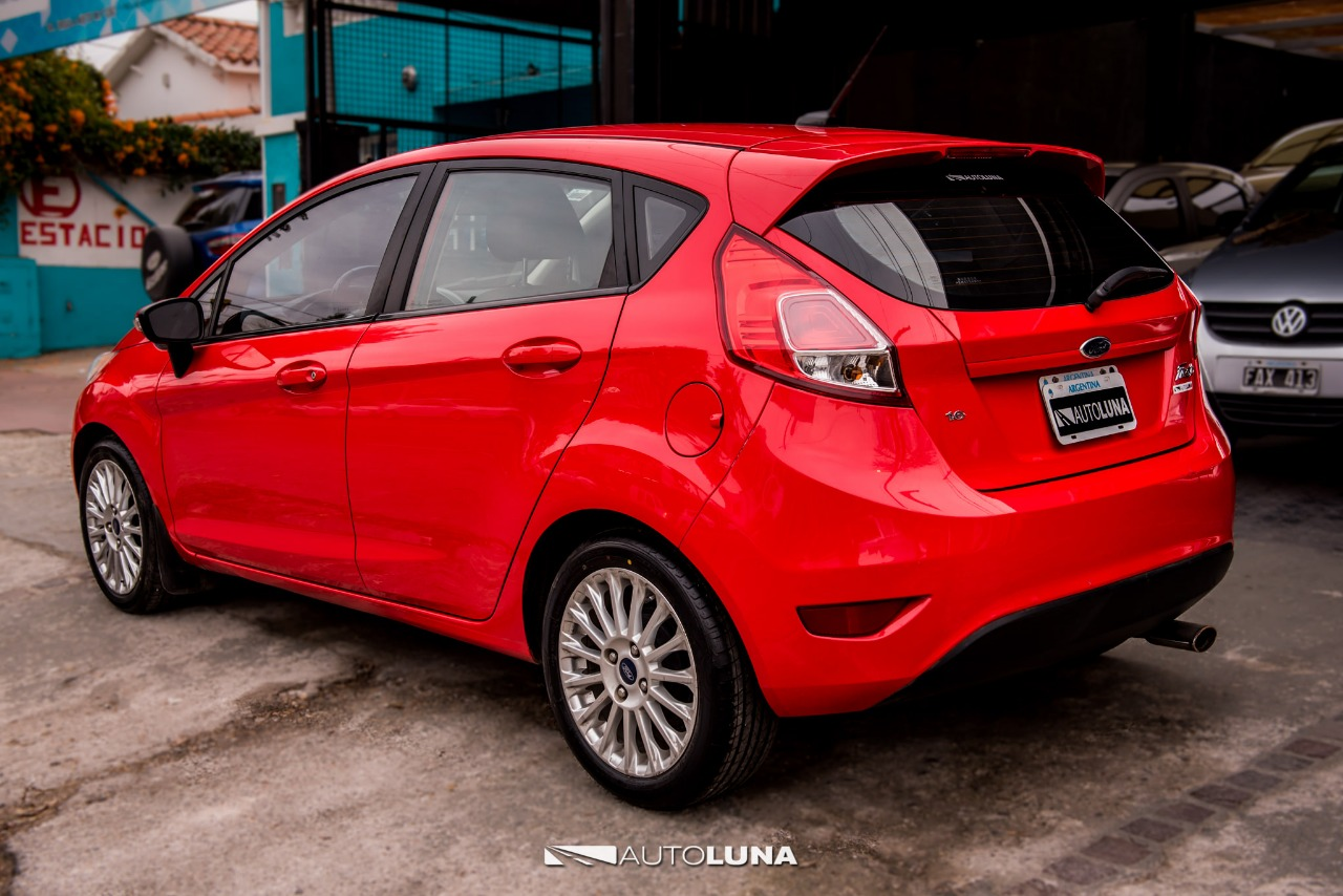 Ford Fiesta Kinetic Se Plus 2014 Entrega 345000 Y Ctas  U2013 Autoluna